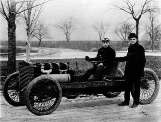 Henry Ford established a speed record of 147.05 km / h, driving his first race car